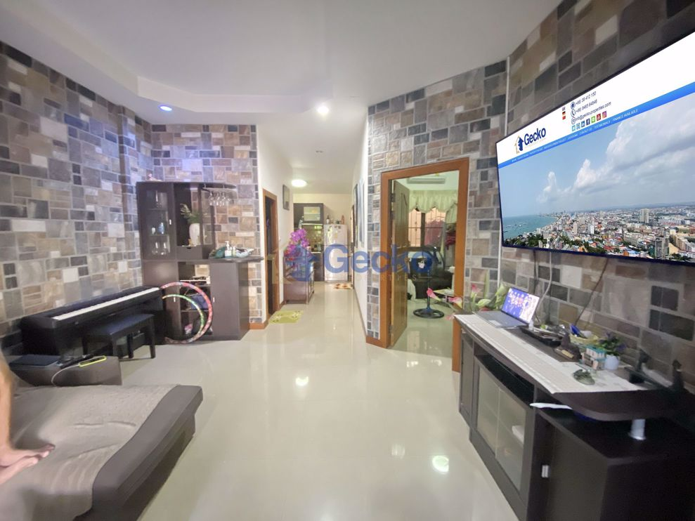 """Picture of house for sale in the East Pattaya area in the """"Royal Green Park"""" estate H008947"""