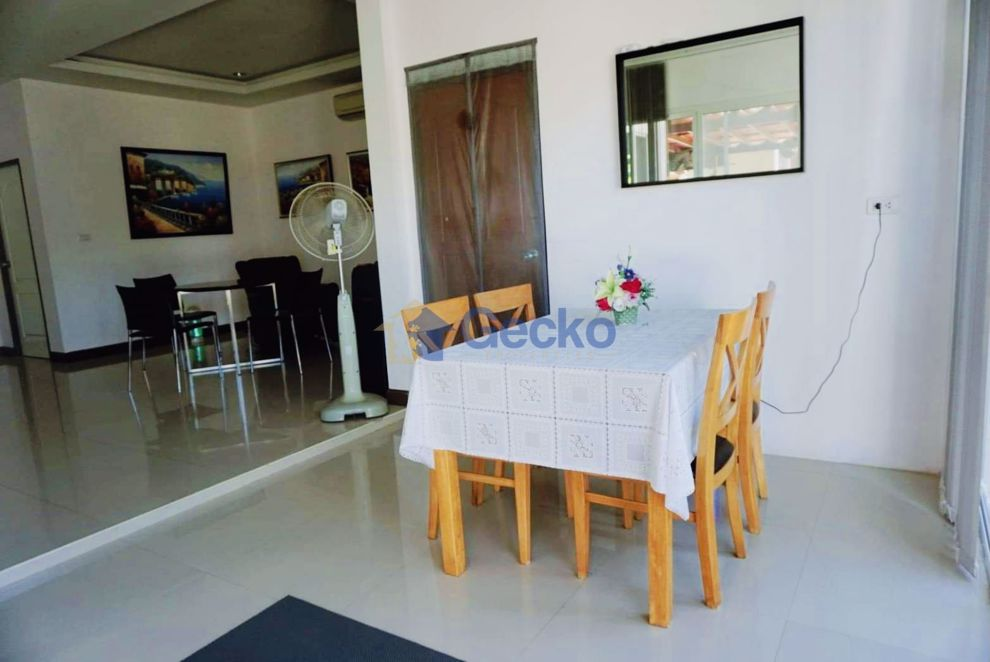 Picture of 3 Bedrooms bed in House in Sirisa 14  in East Pattaya H008956