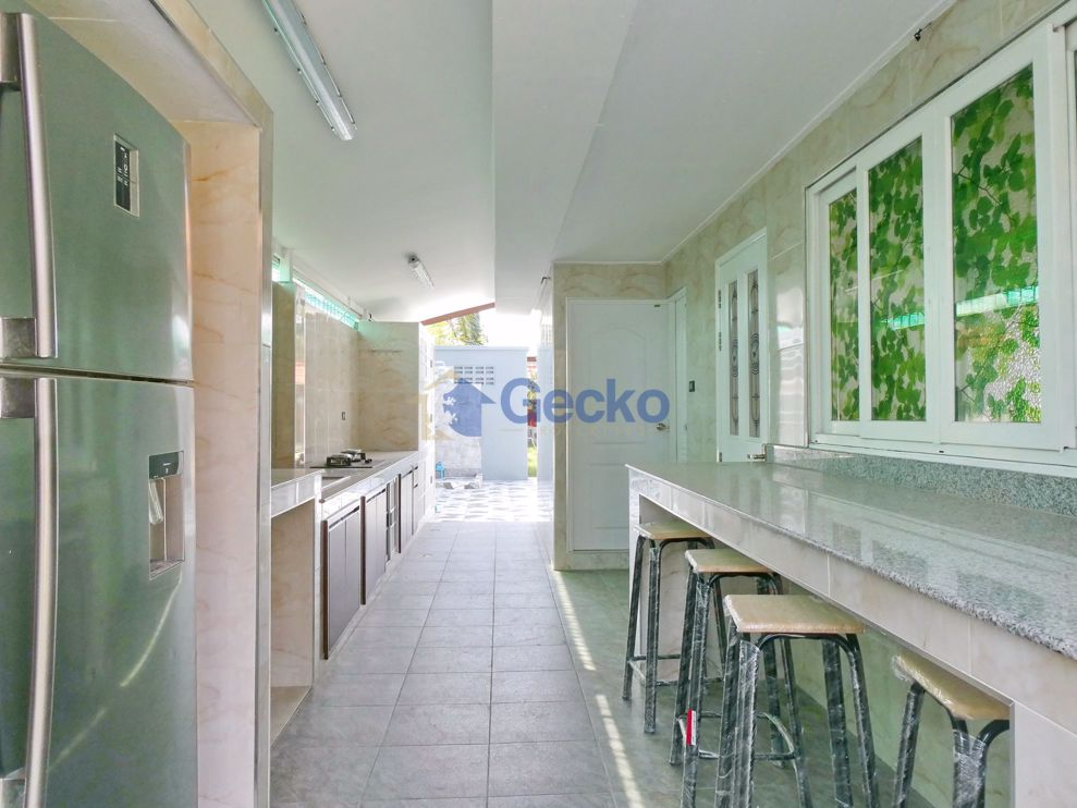 Picture of 3 Bedrooms bed in House in East Pattaya H008965