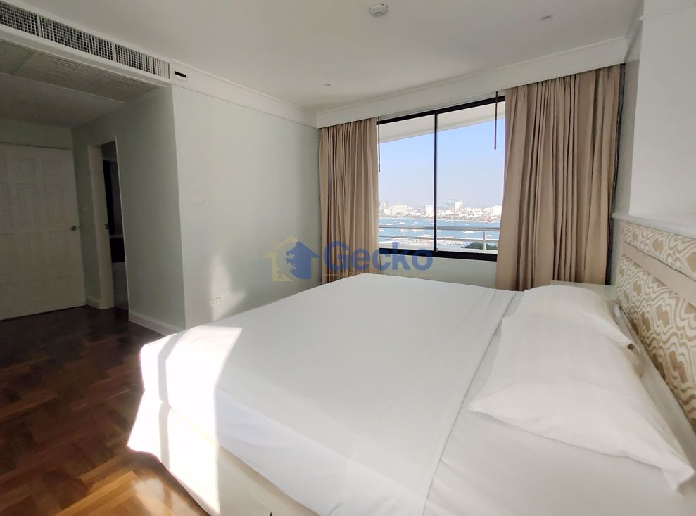 Picture of 4  Bedrooms bed in Condo in Royal Cliff in Pratumnak C008967