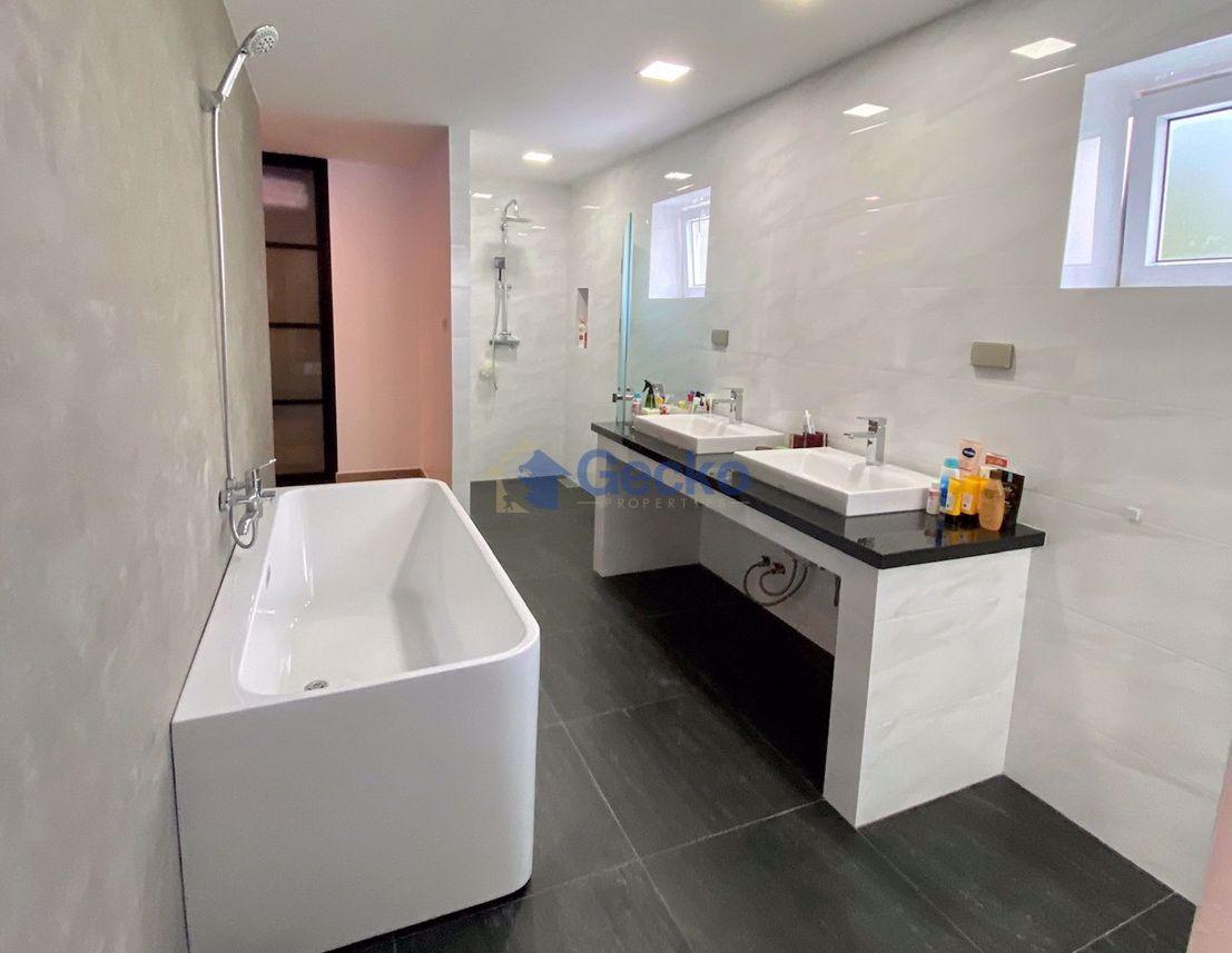 รูปภาพ 6 Bedrooms bed in House in Pratumnak H008976