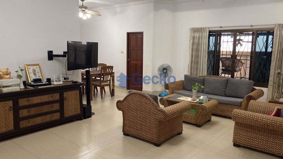 Picture of 3 Bedrooms bed in House in Ponthep 3/1 in East Pattaya H008990
