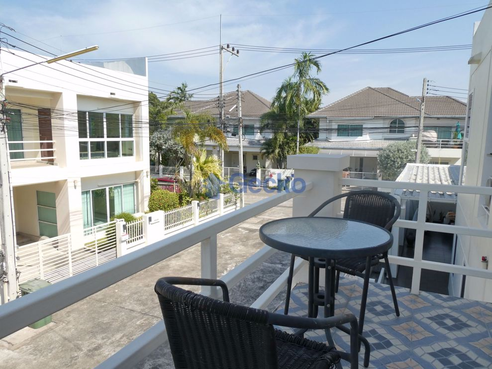 Picture of 2 Bedrooms bed in House in The Meadows in East Pattaya H009002