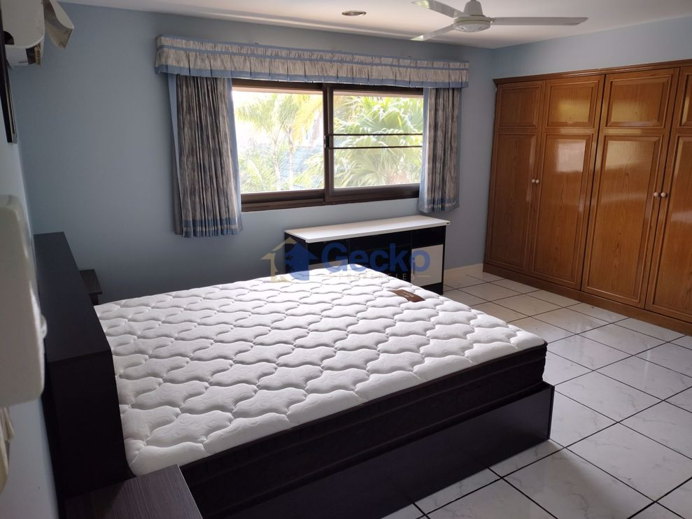 Picture of 3 Bedrooms bed in House in Coconut Valley in East Pattaya H008983