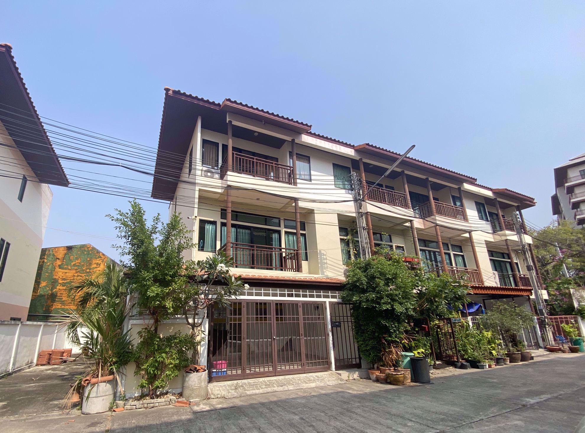 Picture of 4  Bedrooms bed in House in Mid Town Villas in Central Pattaya H009021