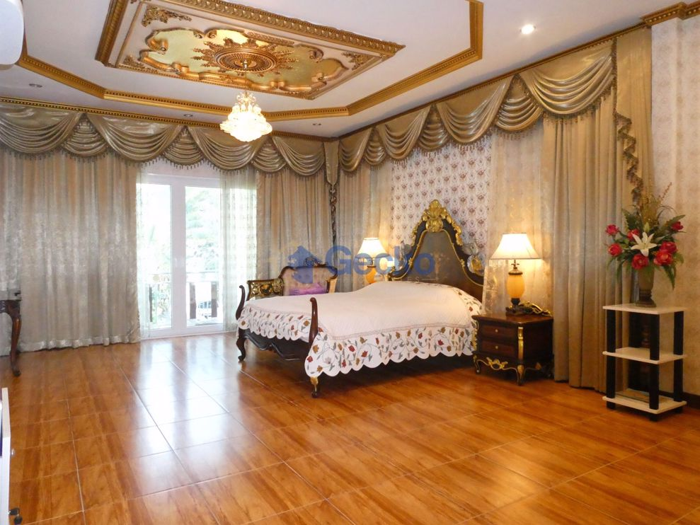 Picture of 7 Bedrooms bed in House in East Pattaya H009041