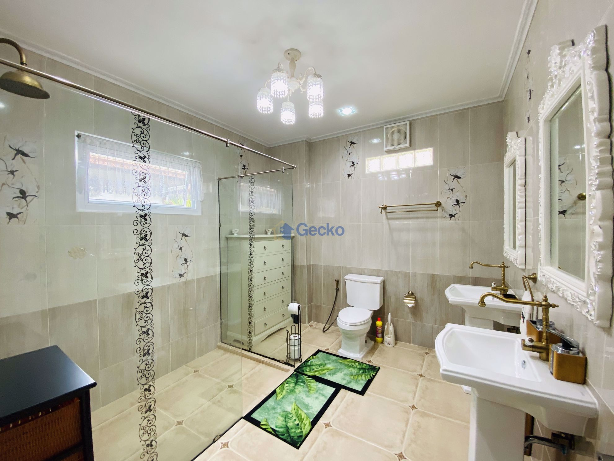 Picture of 3 Bedrooms bed in House in SP Village 3 in East Pattaya H009043