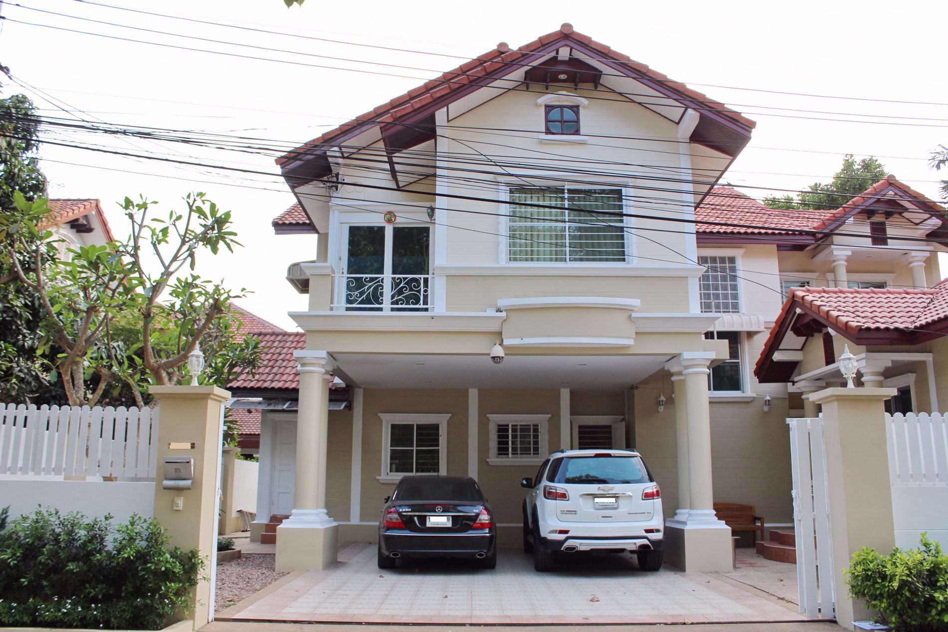 Picture of 3 Bedrooms bed in House in East Pattaya H009059