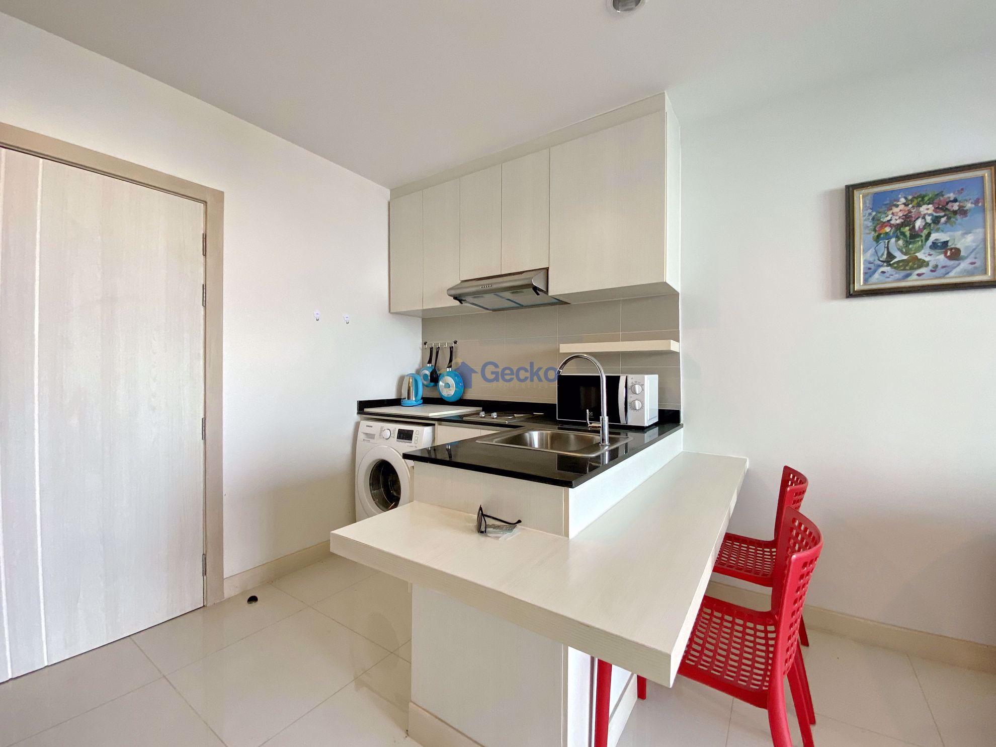 รูปภาพ 1  Bedroom bed in Condo in Infiniti Condominium in East Pattaya C009077