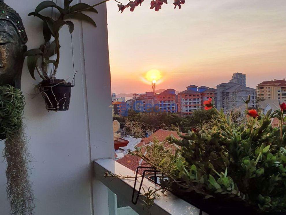 图片 1  Bedroom bed in Condo in Art on the Hill in Pratumnak C009079