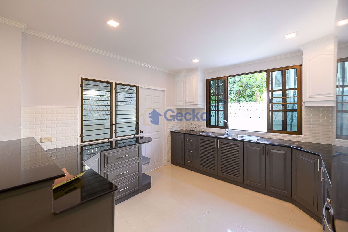 Picture of 3 Bedrooms bed in House in Central Park 4/2 in East Pattaya H009084