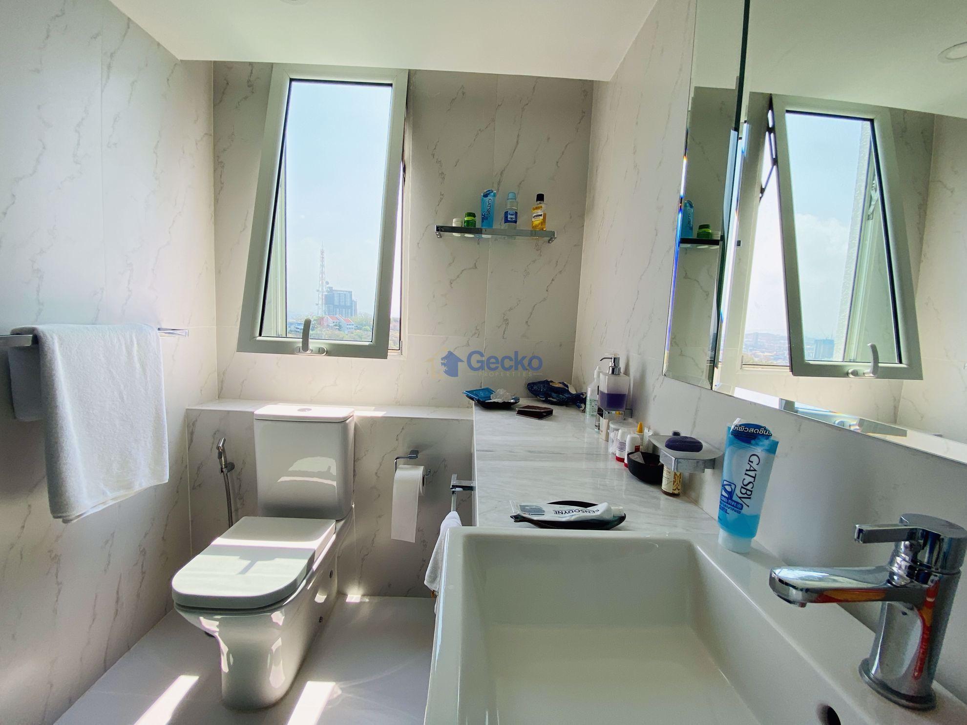 Picture of 2 Bedrooms bed in Condo in Amari Residence in Pratumnak C009088
