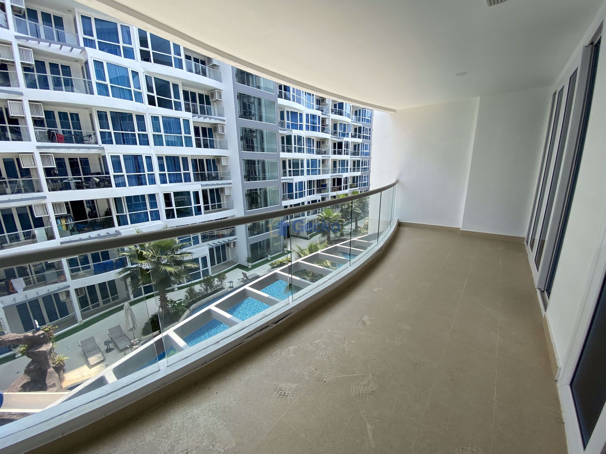 Picture of 2 Bedrooms bed in Condo in Grand Avenue Pattaya in Central Pattaya C009093