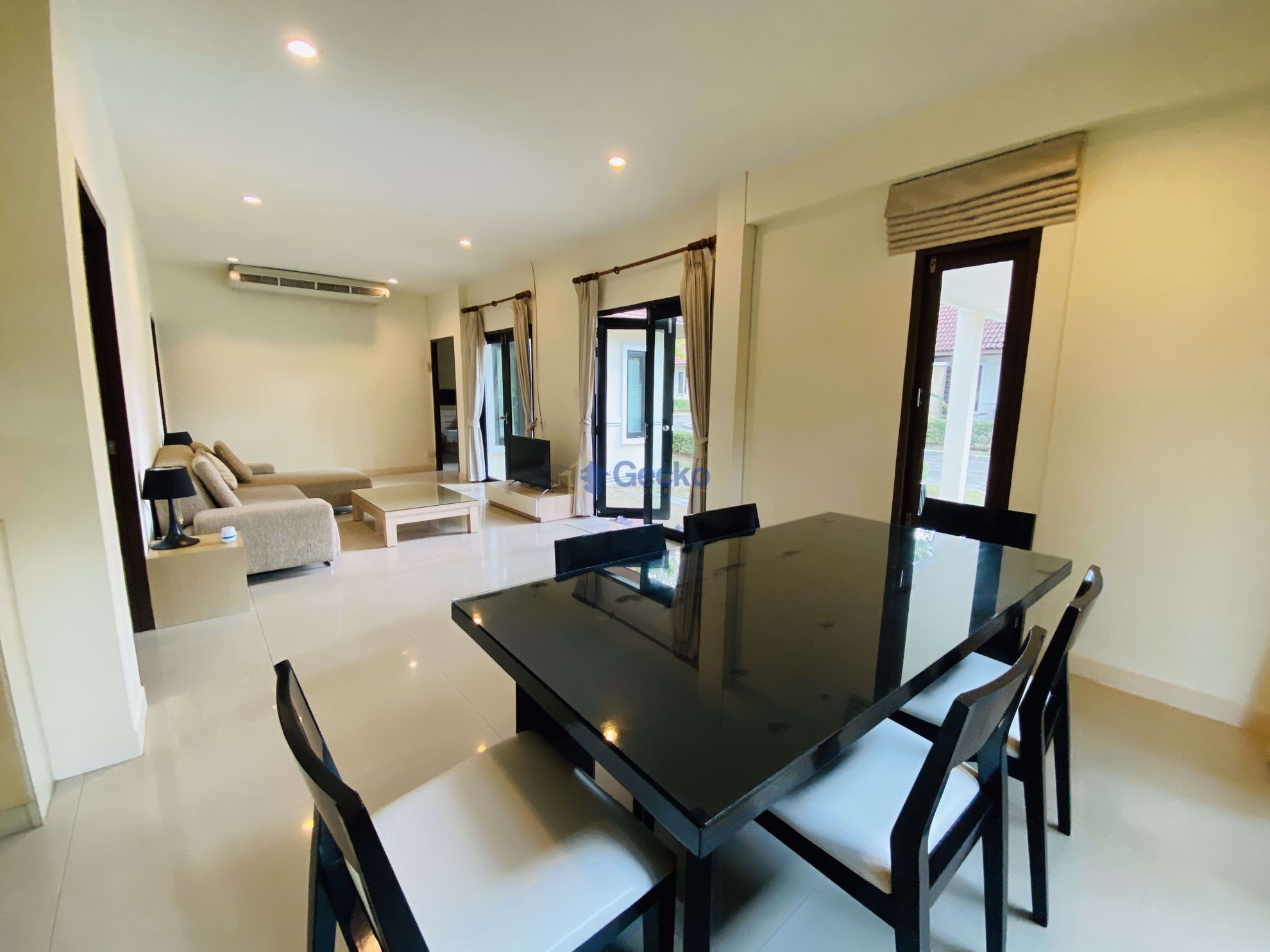 Picture of 3 Bedrooms bed in House in Sefton Park in East Pattaya H009103