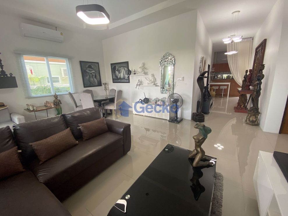 Picture of 3 Bedrooms House  East Pattaya H009108