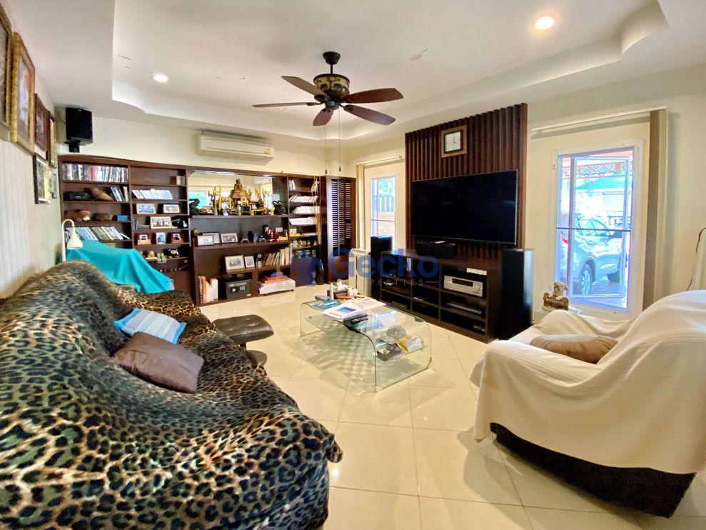 Picture of 4  Bedrooms House in Green Field Villa 2 in East Pattaya H009114