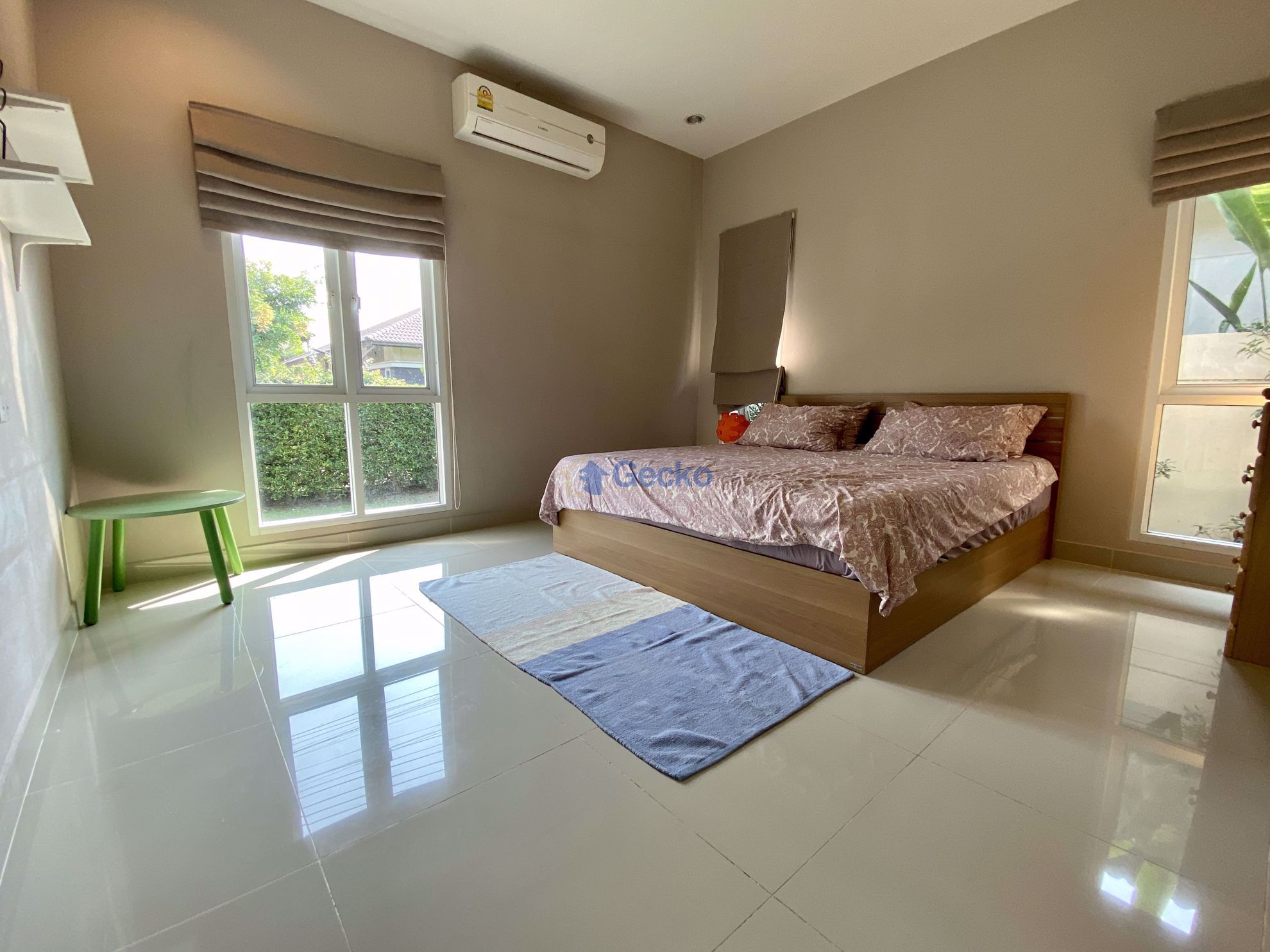 Picture of 3 Bedrooms bed in House in Panalee in Huay Yai H009122