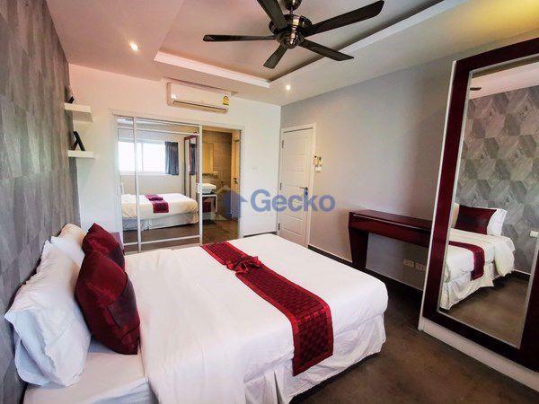 Picture of 1  Bedroom bed in Condo in Tudor Court in Pratumnak C009123