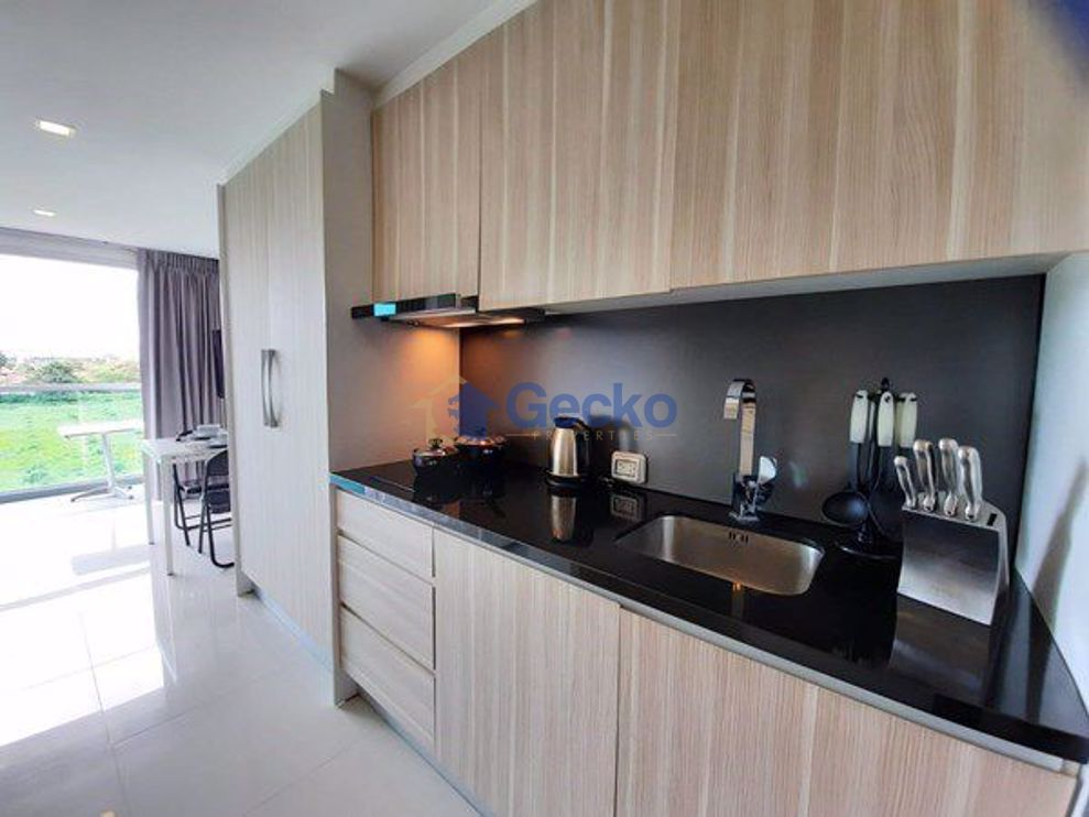 Picture of Studio bed in Condo in Club Royal in Wongamat C009126