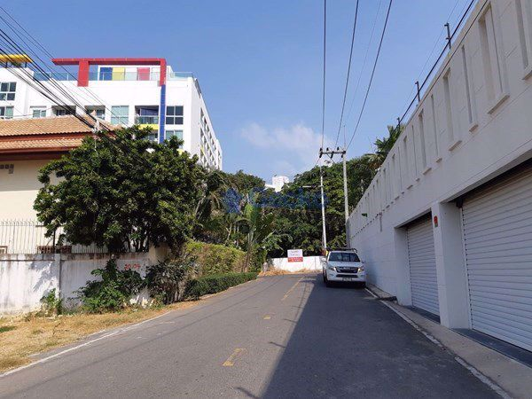 Picture of Between Soi 5 and 6 Pratumnak L009137