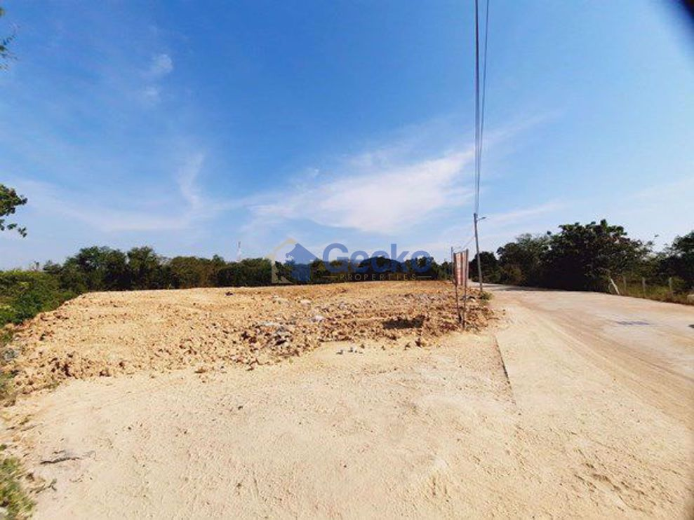 Picture of Land available in Jomtien L009139