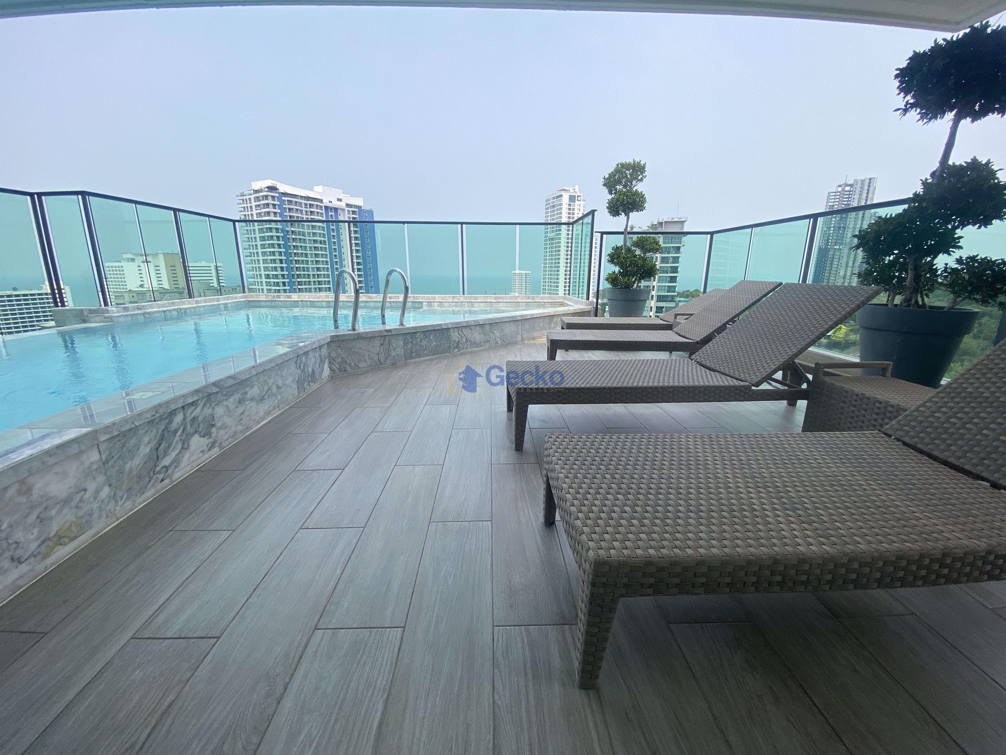 รูปภาพ 1  Bedroom bed in Condo in Jewel Pratumnak in Pratumnak C009150
