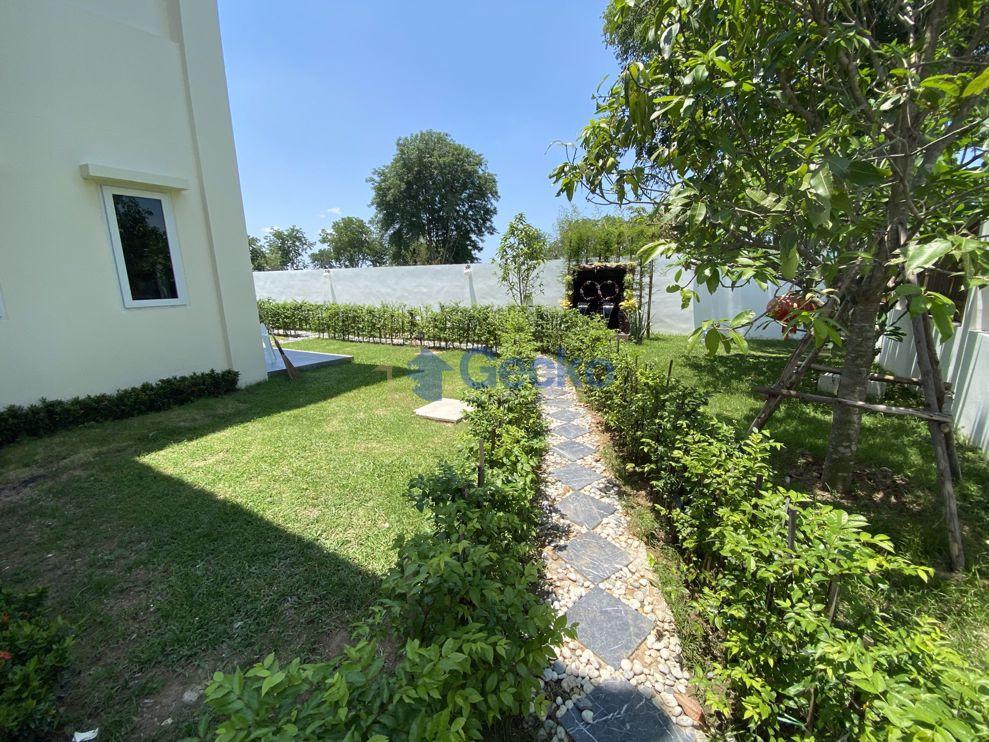 รูปภาพ 4 Bedrooms House เข้า Phoenix Golf Course  Huay Yai H009178