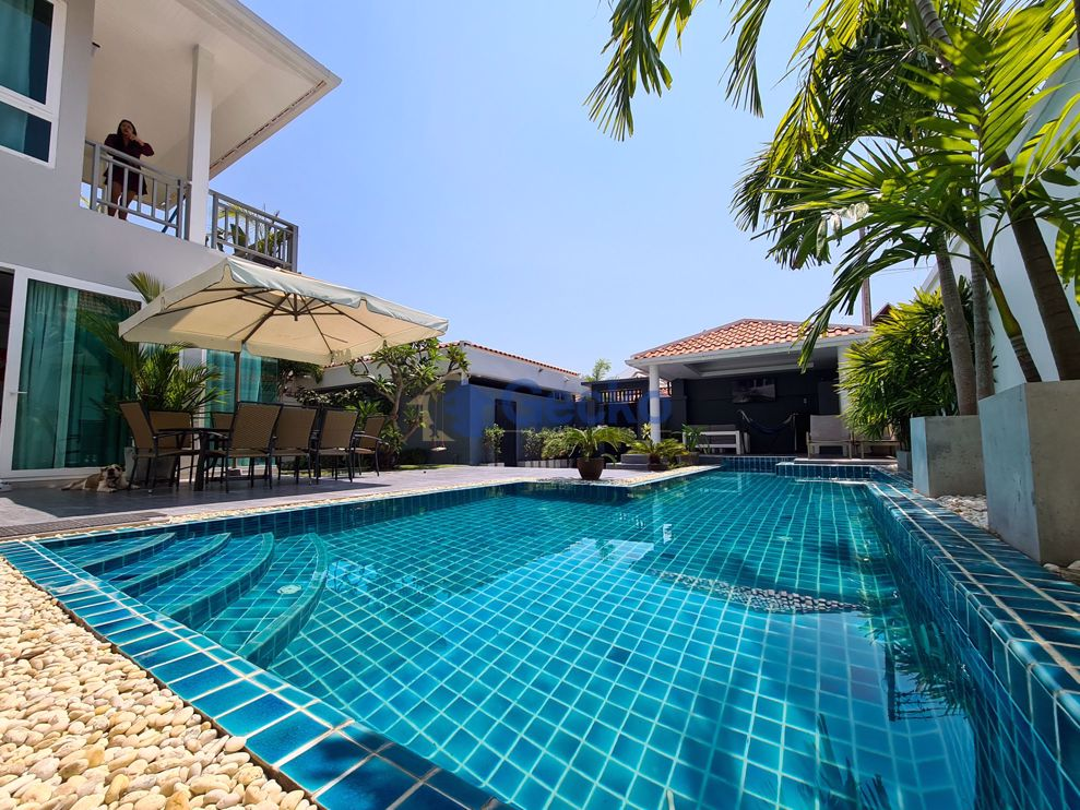 Picture of 3 Bedrooms bed in House in Chateau Dale Tropical Villa in Jomtien H009184