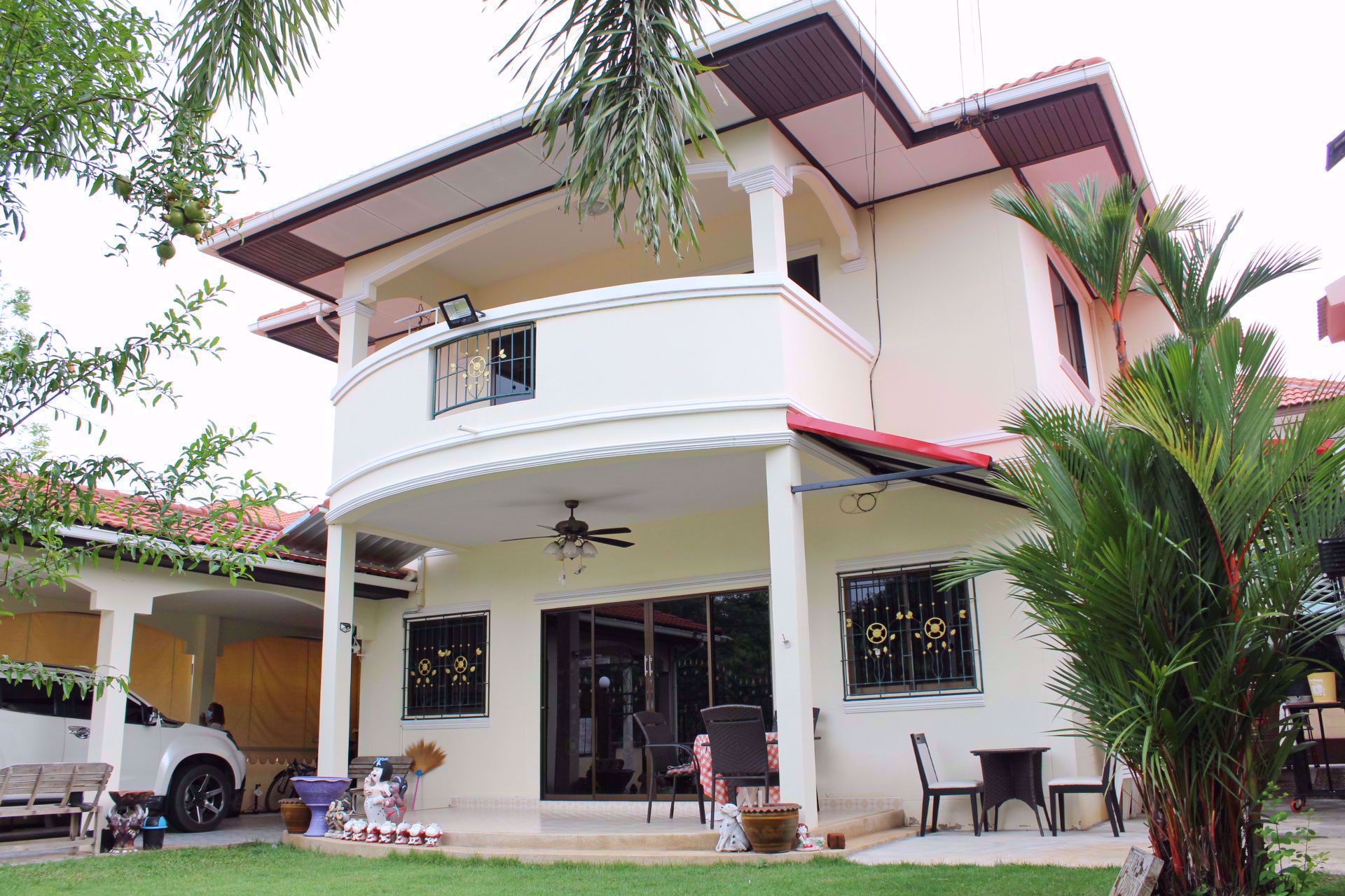 Picture of 3 Bedrooms bed in House in Royal View Village in East Pattaya H009193
