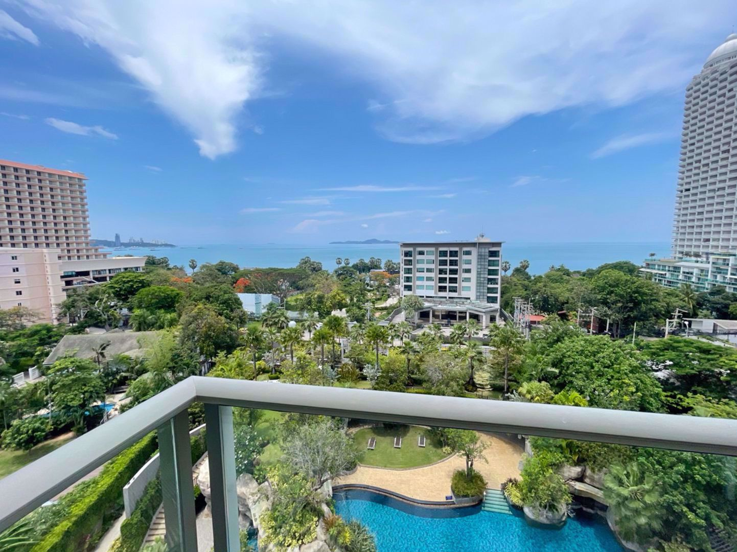 Picture of 1  Bedroom bed in Condo in The Riviera Wong Amat Beach in Wongamat C009204