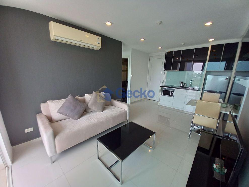 图片 1  Bedroom bed in Condo in The Vision in Pratumnak C009222