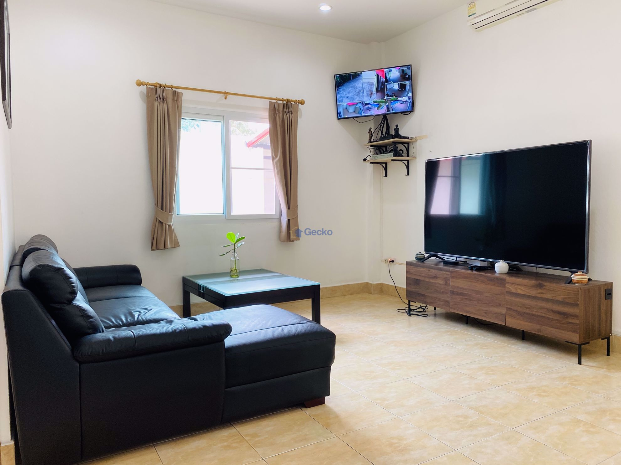 Picture of 3 Bedrooms bed in House in Powers Court Estate in East Pattaya H009224