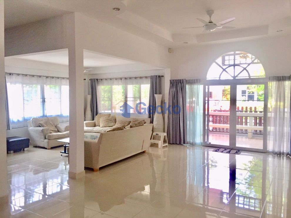 Picture of 3 Bedrooms House in Baan Dusit Village  Huay Yai H009229