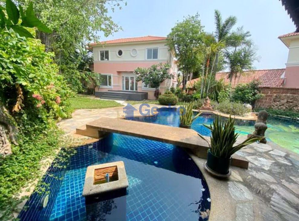 Picture of 6 Bedrooms bed in House in Central Park III in Central Pattaya H009231