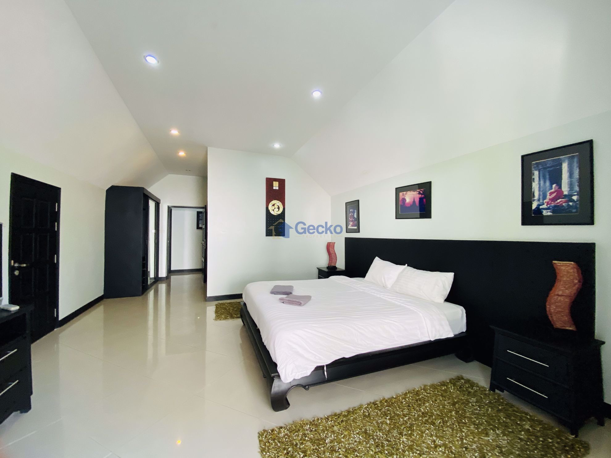 Picture of 3 Bedrooms bed in House in Palm Grove Resort in Na Jomtien H009203