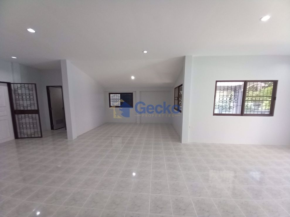 Picture of 3 Bedrooms bed in House in Permsub Garden Resort in East Pattaya H009249