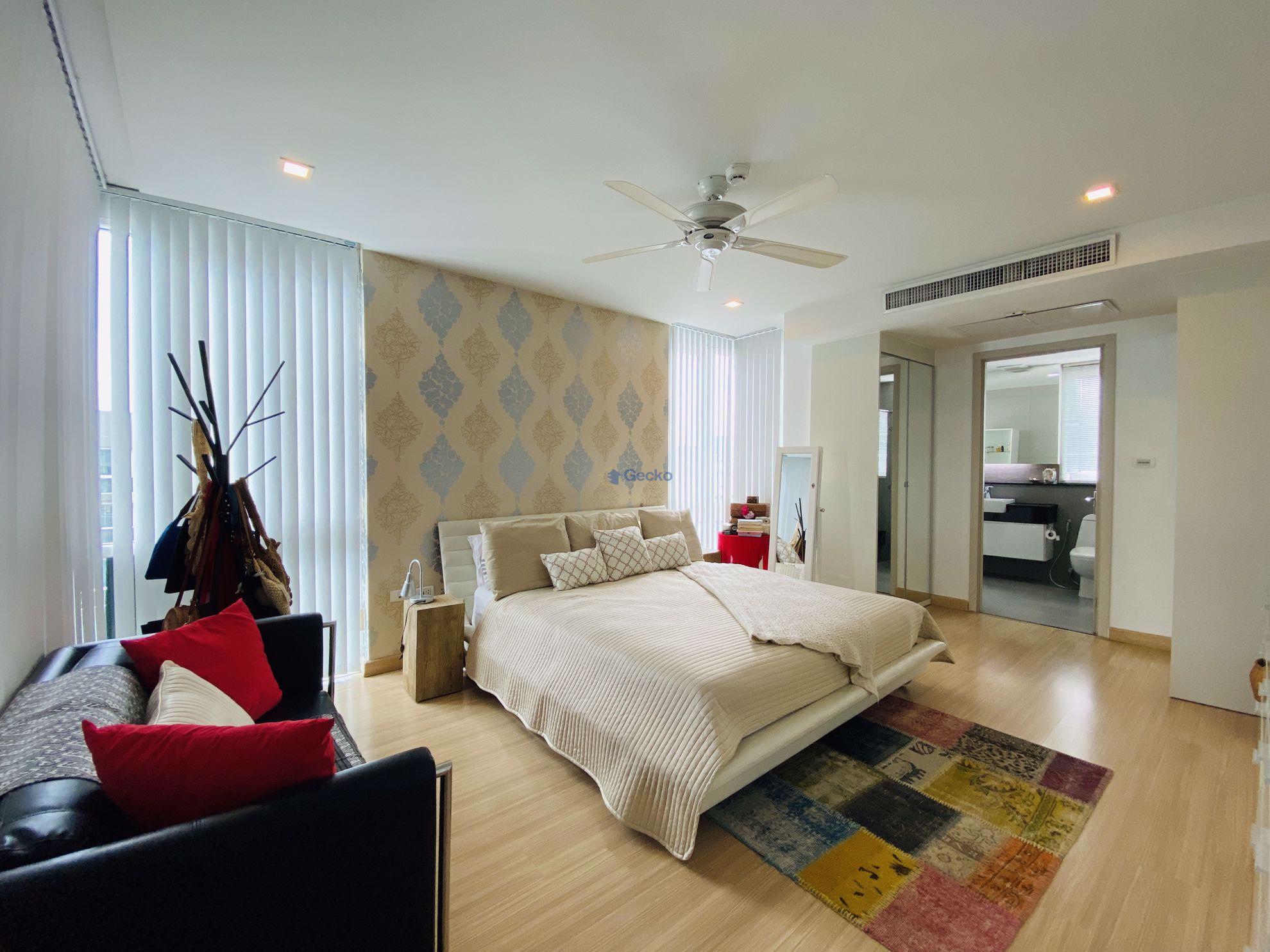 Picture of 3 Bedrooms bed in Condo in Apus Condominium in Pattaya C009257