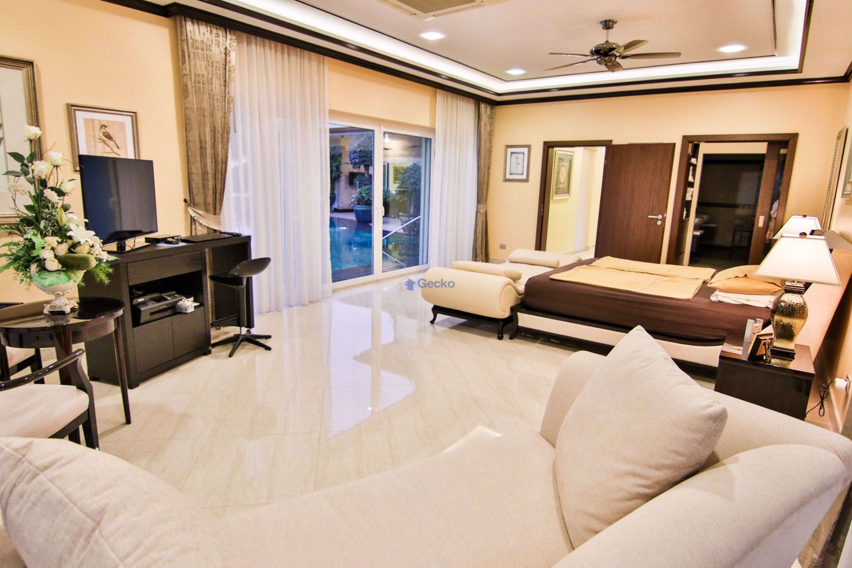 Picture of 6 Bedrooms bed in House in Na Jomtien H009263
