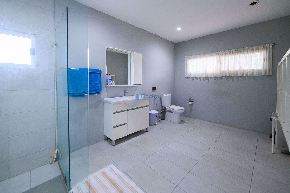 Picture of 2 Bedrooms bed in House in East Pattaya H009266