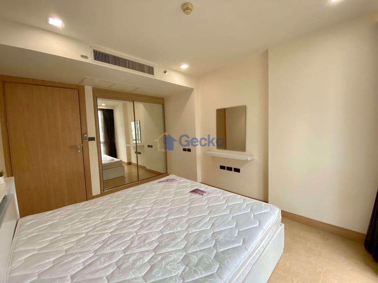 图片 1  Bedroom bed in Condo in The Cliff in Pratumnak C009272