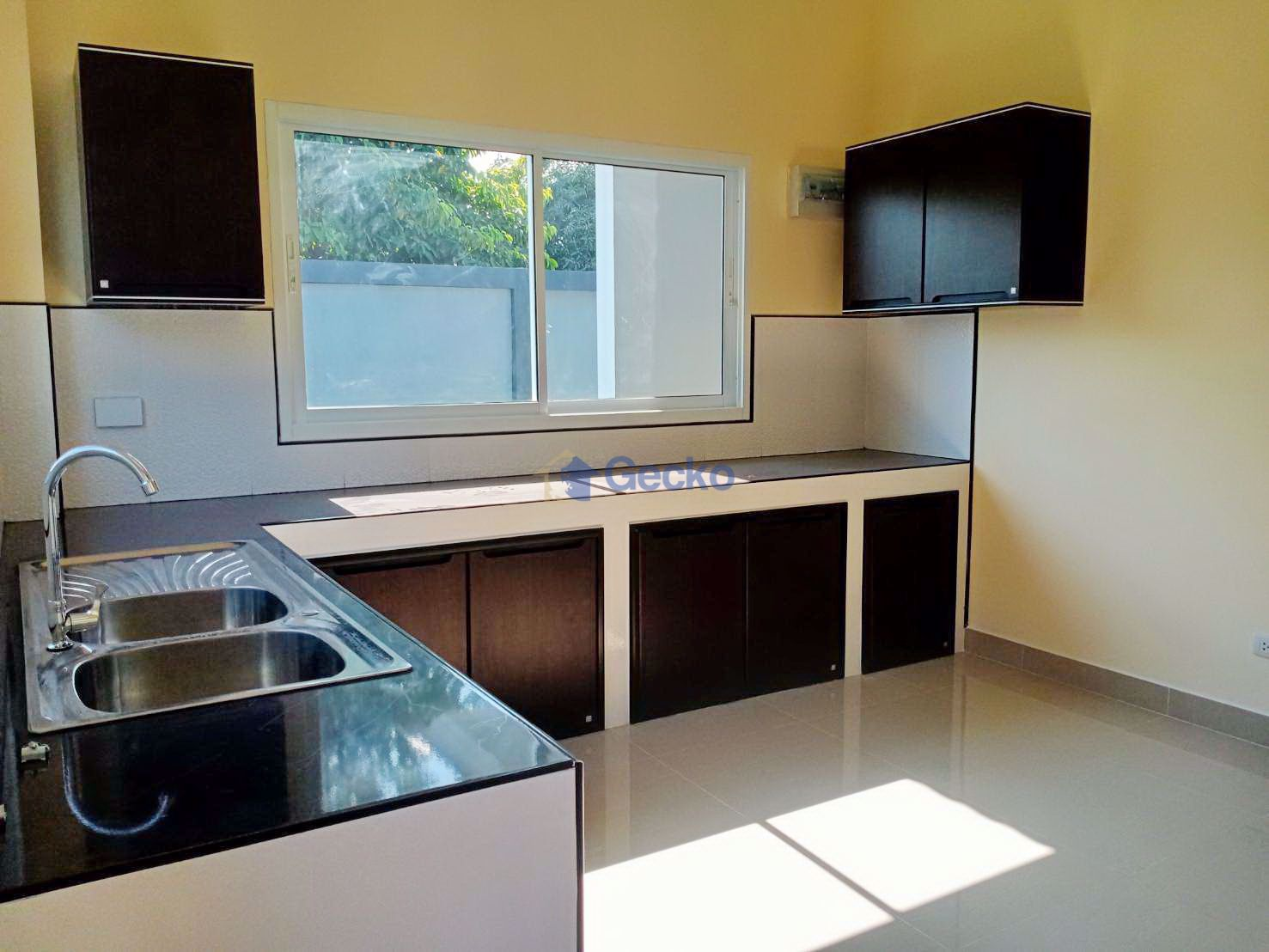 Picture of 3 Bedrooms bed in House in East Pattaya H009293