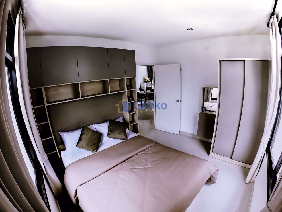 Picture of 4  Bedrooms bed in House in Baan Khanthamat in East Pattaya H009304