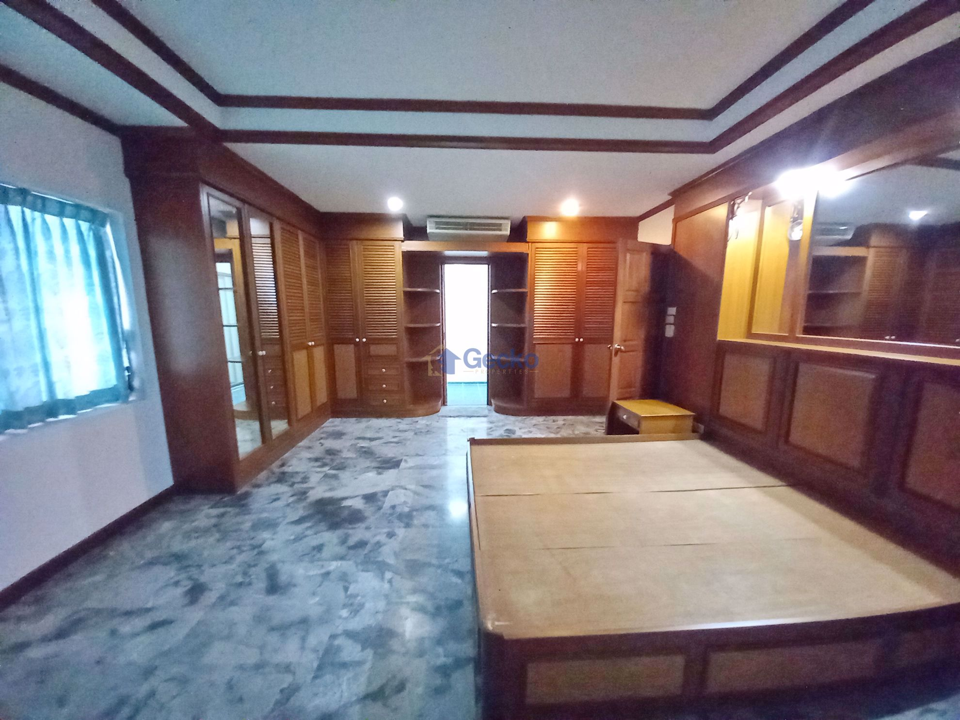 Picture of 3 Bedrooms bed in House in East Pattaya H009309