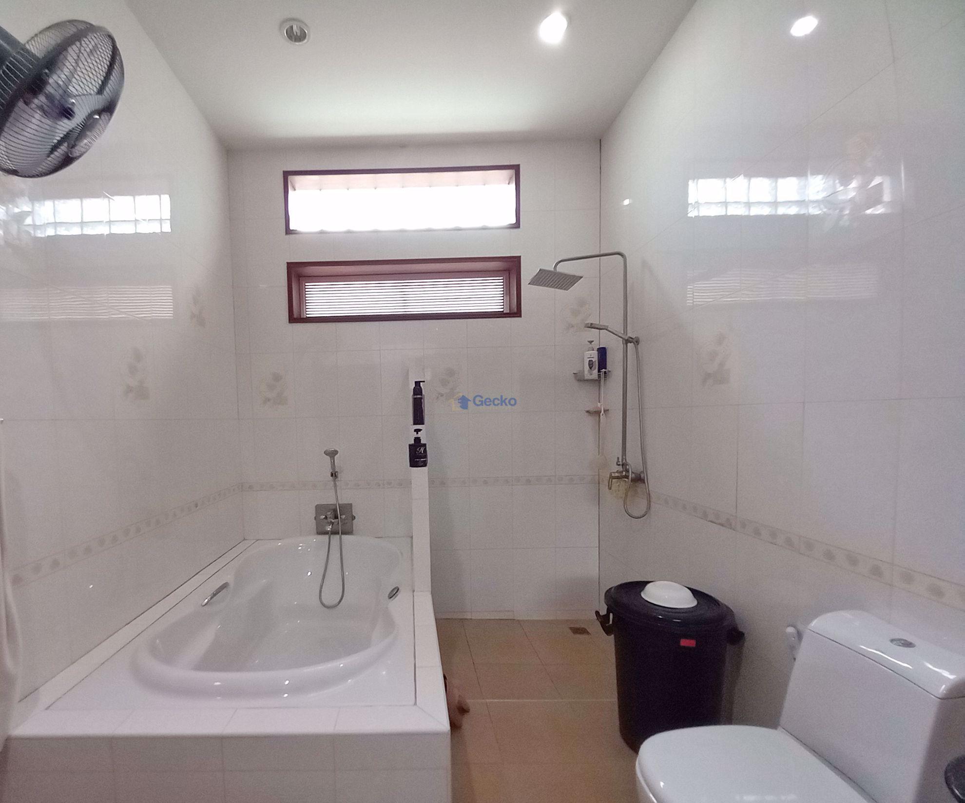 รูปภาพ 6 Bedrooms bed in House in East Pattaya H009310