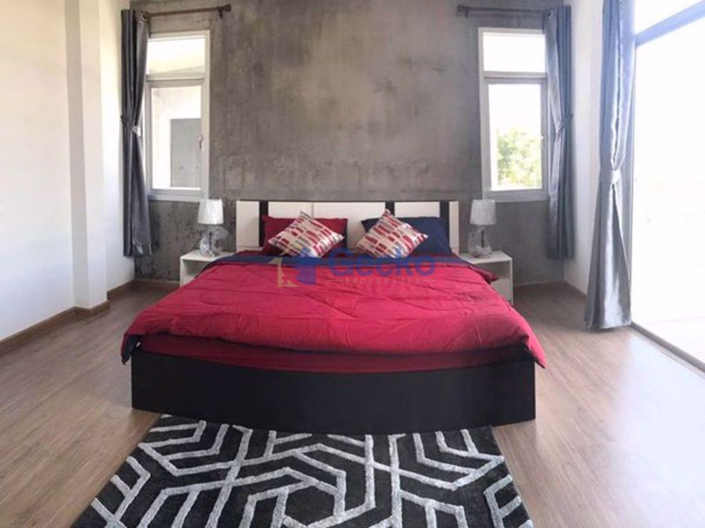 Picture of 3 Bedrooms bed in House in Baan Khanthamat in East Pattaya H009307