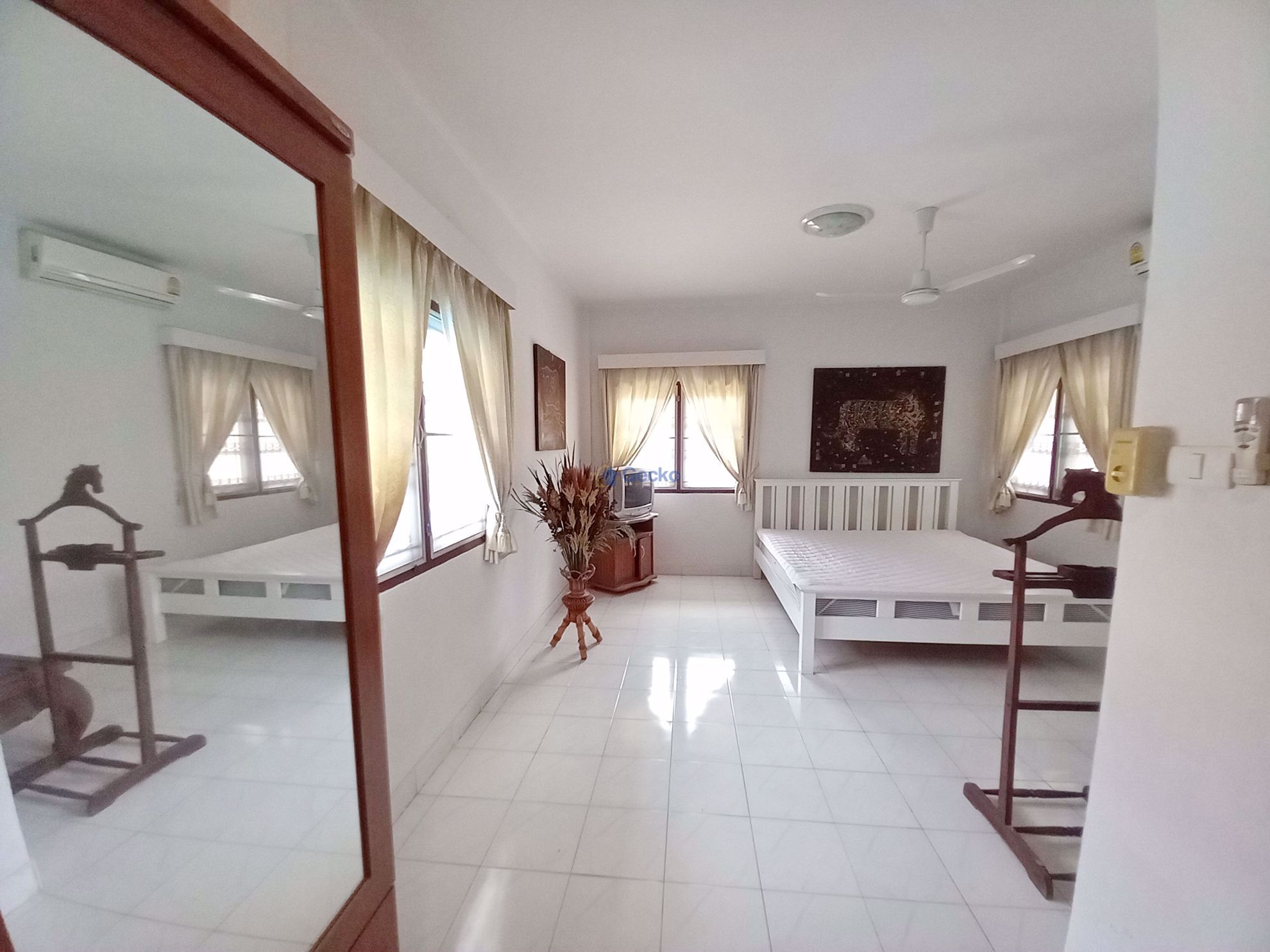 Picture of 3 Bedrooms bed in House in Suksabai Villa in South Pattaya H009325