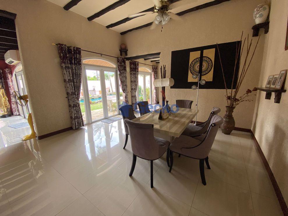 Picture of 3 Bedrooms bed in House in El Grande in East Pattaya H009328