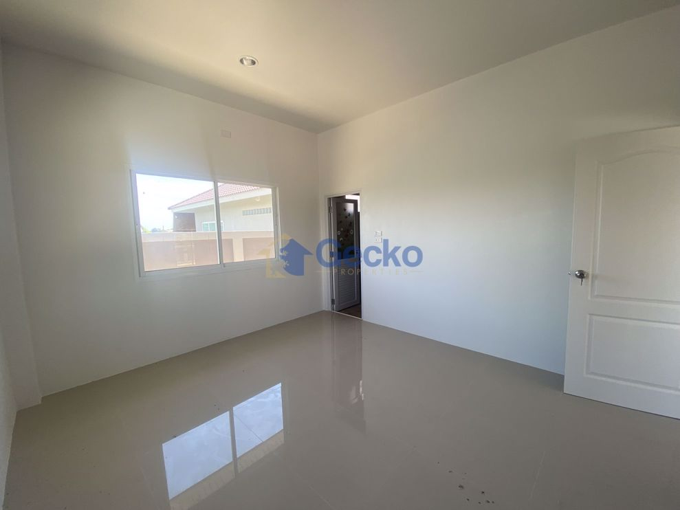 Picture of 3 Bedrooms House in Manee Ville  East Pattaya H009372