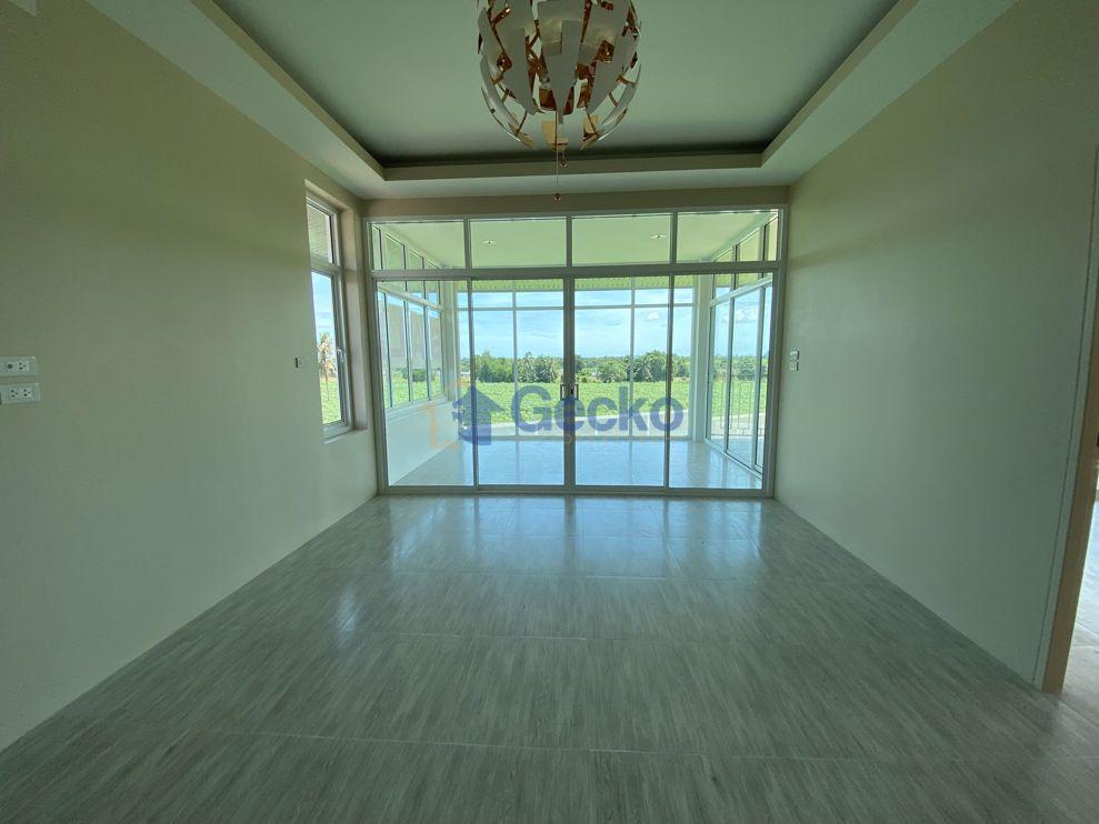 รูปภาพ House in Manee Ville  East Pattaya H009374