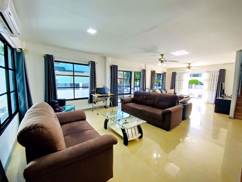 Picture of 4 Bedrooms House in Central Park 5 Village  East Pattaya H002660
